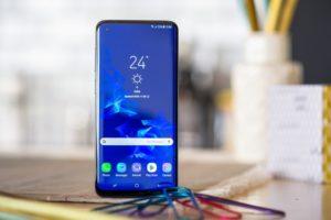 Samsung vô tình tiết lộ thiết kế của Galaxy S10 về màn hình đục lỗ