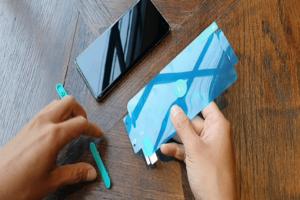 Miếng dán Galaxy S10 giúp giải phóng diện tích thiết kế