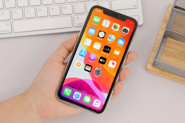 iPhone 11 256g có màn hình OLED chất lượng cao